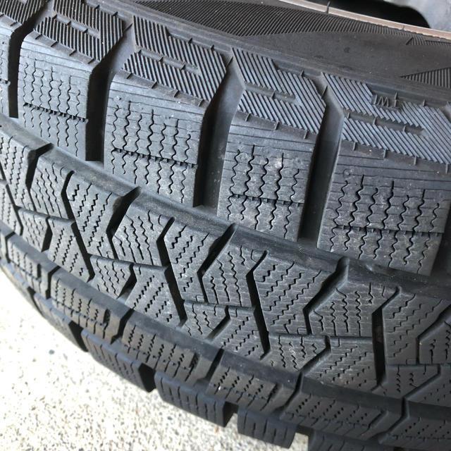 ホンダ(ホンダ)のスタッドレスタイヤ14インチ ホンダフィット 自動車/バイクの自動車(タイヤ・ホイールセット)の商品写真