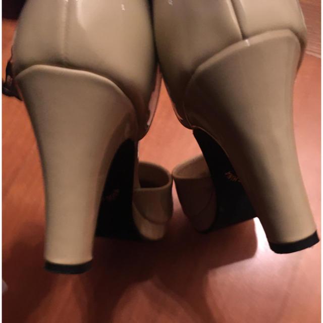 salus(サルース)のsalus パンプス 42   26センチ レディースの靴/シューズ(ハイヒール/パンプス)の商品写真