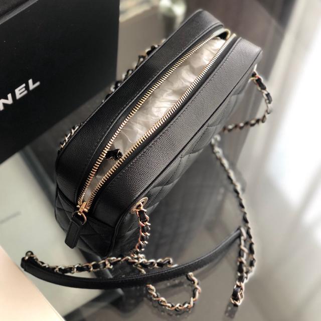 CHANEL(シャネル)のご専用   新品未使用  2019年新作 CHANEL バッグ レディースのバッグ(ショルダーバッグ)の商品写真
