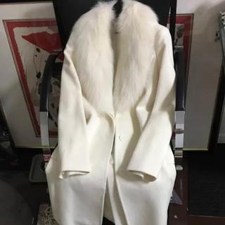 ピンキーアンドダイアン(Pinky&Dianne)のピンキーアンドダイアン ホワイトフォックスファー付ロングコート(毛皮/ファーコート)