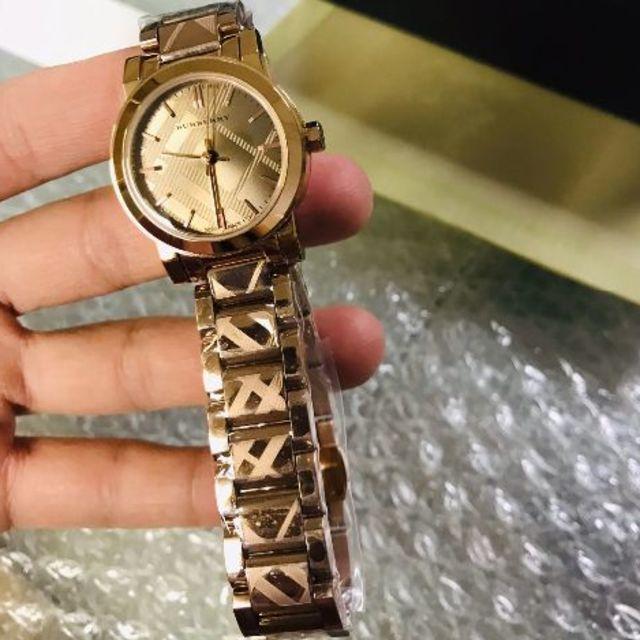 BURBERRY(バーバリー)のBURBERRY腕時計 レディースのファッション小物(腕時計)の商品写真