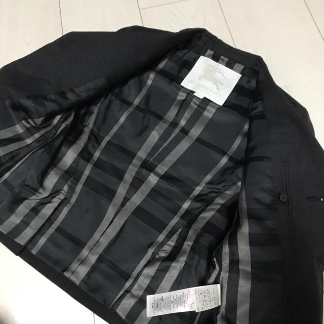 BURBERRY(バーバリー)の新品未使用 ジャケット ネクタイ バーバリー フォーマル  キッズ/ベビー/マタニティのキッズ服男の子用(90cm~)(ドレス/フォーマル)の商品写真