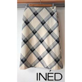 イネド(INED)の【INED】イネド チェック柄 オフ白×黒 タイトスカート 7号(ひざ丈スカート)