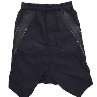 JULIUS - ニルズ TWISTED SIDE SLASH SHORT PANTS