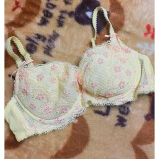 ナルエー(narue)の未使用品 ナルエー 花柄 刺繍 ブラ C70 イエロー(ブラ)