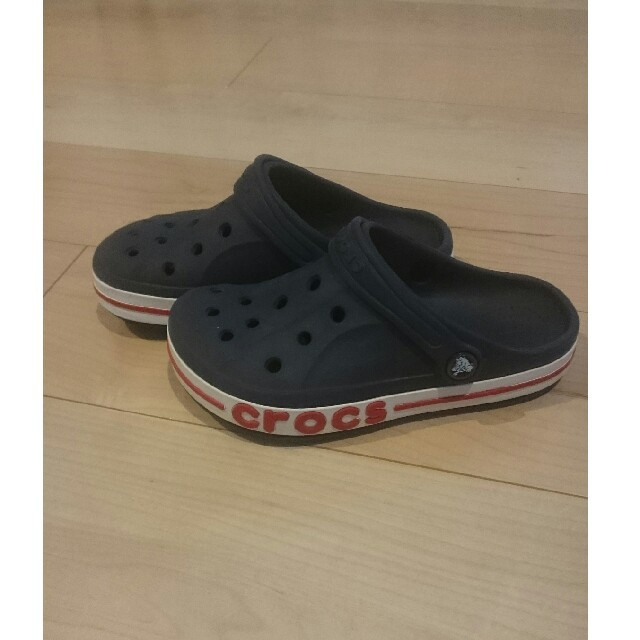 crocs(クロックス)のクロックス クロッグサンダル J1 19.5cm キッズ/ベビー/マタニティのキッズ靴/シューズ(15cm~)(サンダル)の商品写真