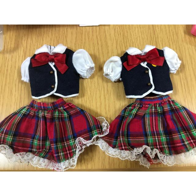 Takara Tomy(タカラトミー)のリカちゃん 服 制服 2着セット キッズ/ベビー/マタニティのおもちゃ(ぬいぐるみ/人形)の商品写真