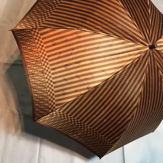 フェンディ(FENDI)の折りたたみ傘 FENDI フェンディ ズッカ ペカン ブラウン ゴールド 希少(傘)