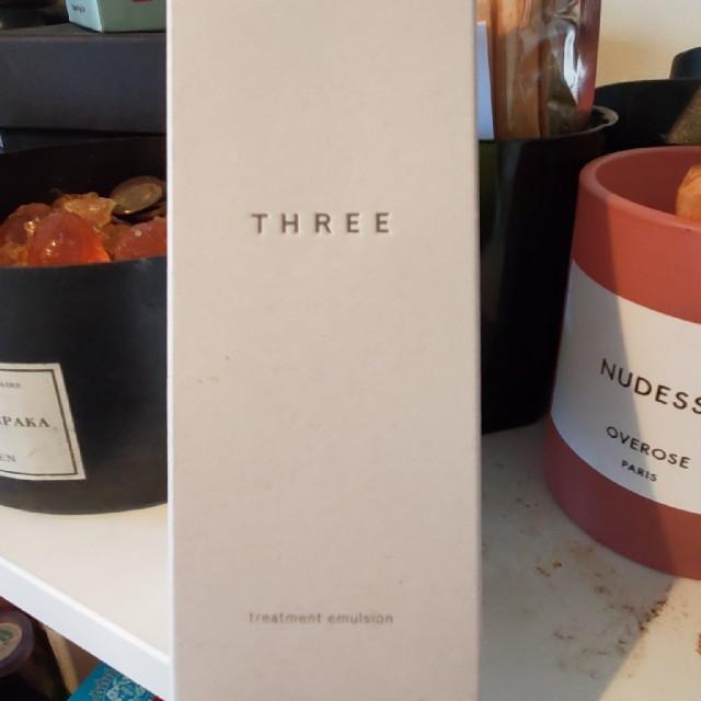 THREE(スリー)の スリー トリートメントエマルジョン 乳液 コスメ/美容のスキンケア/基礎化粧品(乳液/ミルク)の商品写真