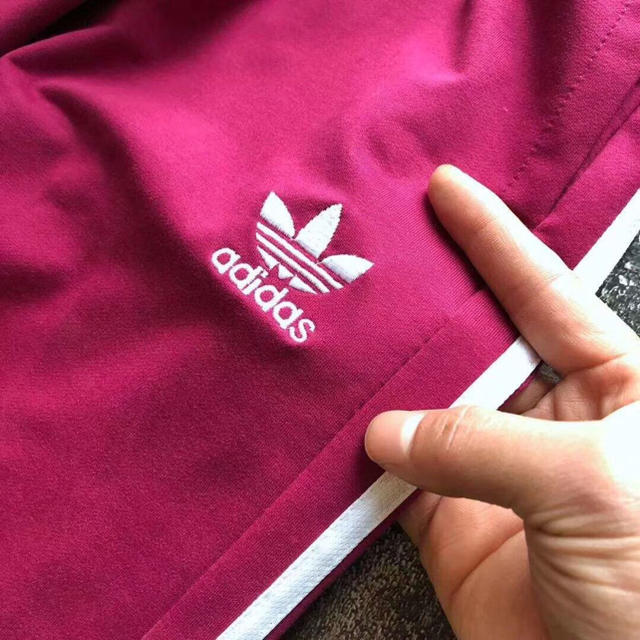 adidas(アディダス)の送料無料 新品 アディダス オリジナルス トラックパンツ メンズのパンツ(その他)の商品写真