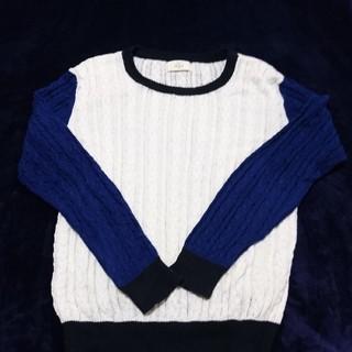 イッカ(ikka)の【ikka 美品】ネイビー&ホワイト&ブラック ケーブル編みニットセーター L(ニット/セーター)