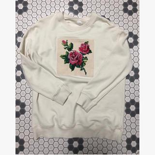 バラ刺繍スウェット