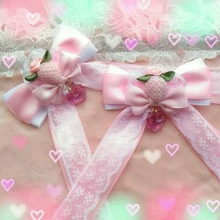 いちごミルクのヘアクリップ (ピンク×白) ハンドメイド(バレッタ/ヘアクリップ)