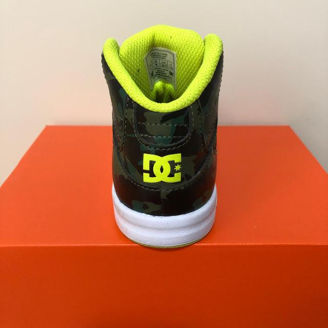 DC(ディーシー)のDCハイカットスニーカー15 キッズ/ベビー/マタニティのベビー靴/シューズ(~14cm)(スニーカー)の商品写真