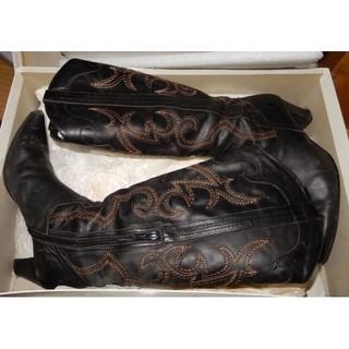 ダークブラウンのウエスタンブーツ/23㎝(ヒールの高さ約6㎝)/日本製/たぶ皮製(ブーツ)