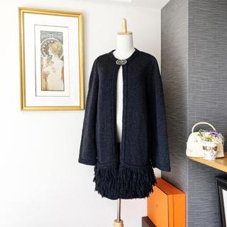 フォクシー(FOXEY)の美品 フォクシー シルバー バックルブローチ コート ロングカーディガン(ニットコート)