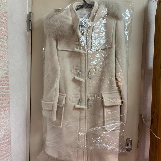FRAY I.D(フレイアイディー)の【FUYU様専用】FRAY.ID オフホワイト🧥ダッフルコート レディースのジャケット/アウター(ダッフルコート)の商品写真