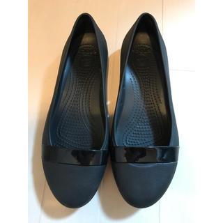 crocs - クロックス 黒のフラットパンプス W6(22cm)