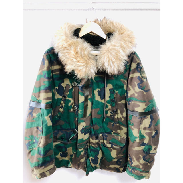 TENDERLOIN(テンダーロイン)のTENDERLOIN(テンダーロイン)T-3B JF メンズのジャケット/アウター(ダウンジャケット)の商品写真