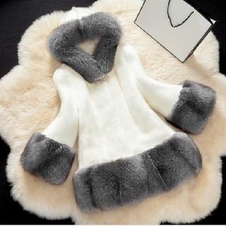 女性ファーコート フード付きフェイクファーコート  (毛皮/ファーコート)