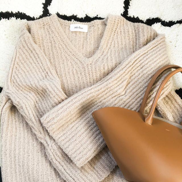 Mila Owen(ミラオーウェン)のミラオーウェン ベルスリーブニット ベージュ レディースのトップス(ニット/セーター)の商品写真