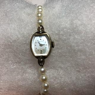 アガット(agete)のアガット 蝶番ダイヤ付パール時計 (腕時計)