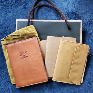 イルビゾンテ(IL BISONTE)のイルビゾンテ パスポートケース(ヌメ) トラベラーズセット(手帳)
