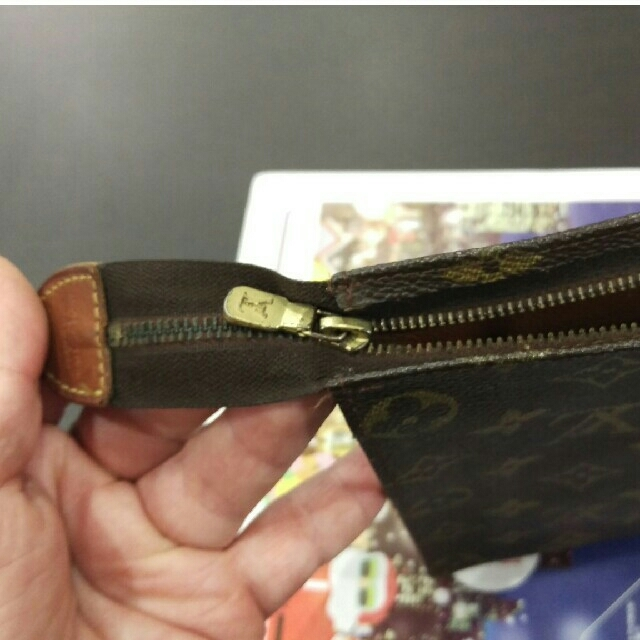 LOUIS VUITTON(ルイヴィトン)のヴィトン ポーチ クラッチ バッグ レディースのバッグ(クラッチバッグ)の商品写真