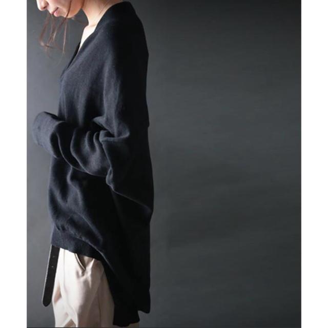 antiqua(アンティカ)のantiqua Vネックニット ブラック レディースのトップス(ニット/セーター)の商品写真
