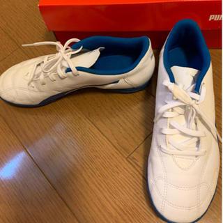プーマ(PUMA)の運動靴 24.5 白 (スニーカー)