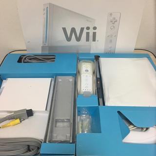 Wii - Nintendo Wii 本体+レトロゲーム4本