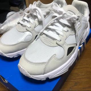 adidas - 試着履きのみ adidas original ファルコン 26.5cm