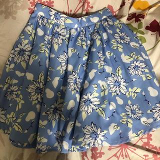 ティティアンドコー(titty&co)の花柄スカート(ミニスカート)