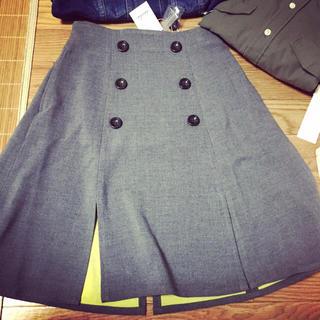 ダズリン(dazzlin)のスリットスカート(ひざ丈スカート)