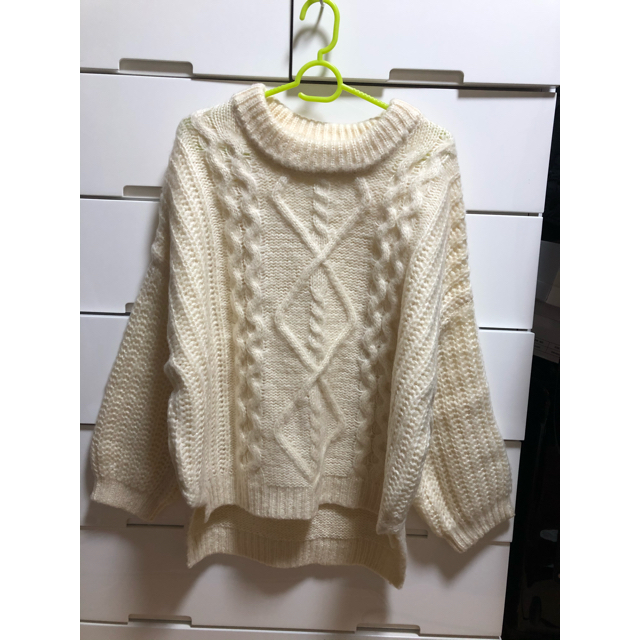 GRL(グレイル)のケーブル編みスリットヘムニットトップス レディースのトップス(ニット/セーター)の商品写真