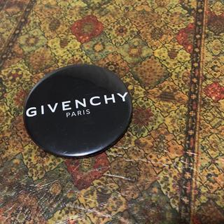 ジバンシィ(GIVENCHY)のGIVENCHY 大きめ缶バッジ(その他)