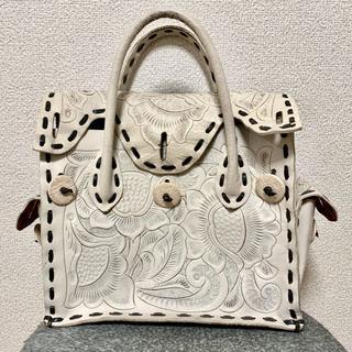 グレースコンチネンタル(GRACE CONTINENTAL)のグレースコンチネンタル カービングバッグ 中古美品(ハンドバッグ)