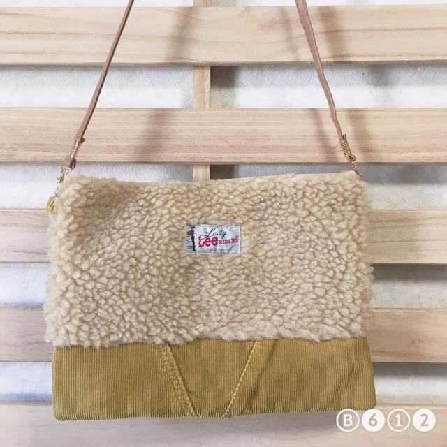 ボア コーデュロイ サコッシュ ショルダーバッグ ポシェット レディースのバッグ(ショルダーバッグ)の商品写真