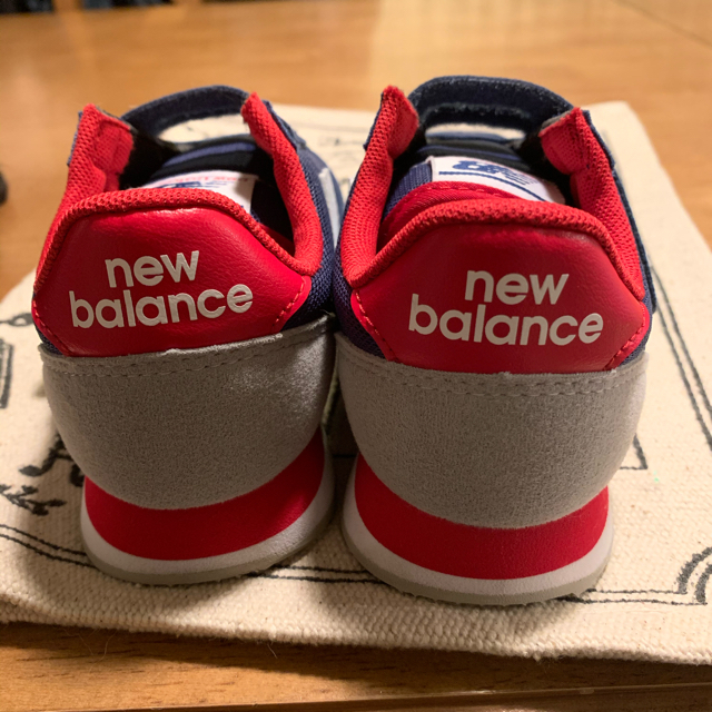 New Balance(ニューバランス)のニューバランス スニーカー18㎝ キッズ/ベビー/マタニティのキッズ靴/シューズ(15cm~)(スニーカー)の商品写真