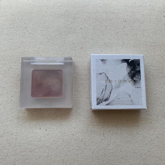 Cosme Kitchen(コスメキッチン)のto/one ペタルアイシャドウ14  コスメ/美容のベースメイク/化粧品(アイシャドウ)の商品写真