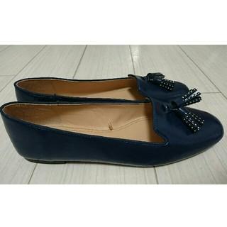 ザラ(ZARA)のZARA タッセル付きネイビーレザーシューズ 40(ローファー/革靴)