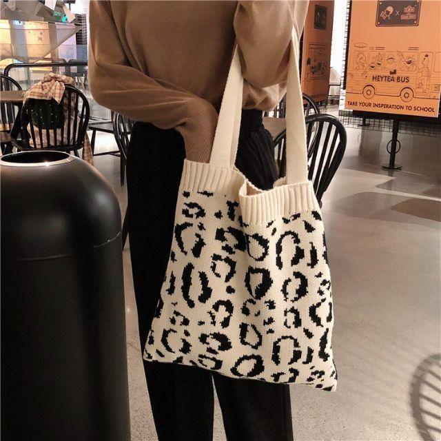 dholic(ディーホリック)のレオパードニットバッグ レディースのバッグ(トートバッグ)の商品写真