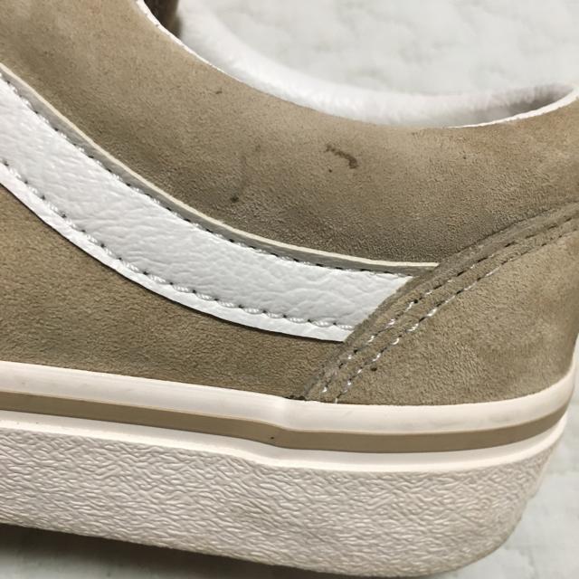 VANS(ヴァンズ)のオールドスクールベージュ 23センチ umi 525様専用 レディースの靴/シューズ(スニーカー)の商品写真