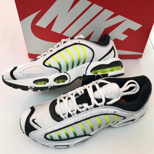 NIKE(ナイキ)のナイキ エアマックス テイルウィンド サイズ各種 25cm 26cm 新品 メンズの靴/シューズ(スニーカー)の商品写真