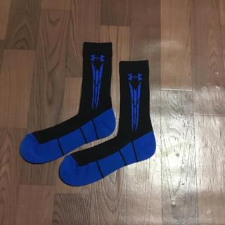 アンダーアーマー(UNDER ARMOUR)の55%オフ アンダーアーマー SM ミドル ソックス 靴下 ブラック ブルー(ソックス)