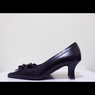 DIANA - 23cm*美品*DIANA WELL FIT 牛革 ミドルヒール パンプス