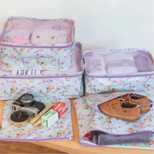 Disney(ディズニー)のトラベルポーチ レディースのバッグ(ボストンバッグ)の商品写真