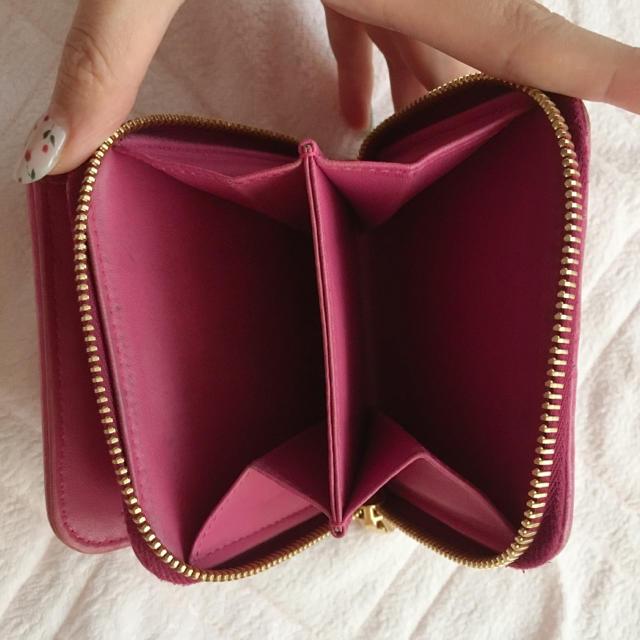 miumiu(ミュウミュウ)のmiu miu折りたたみ財布 レディースのファッション小物(財布)の商品写真