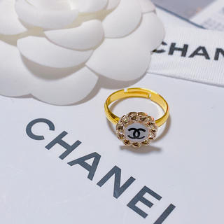 CHANEL - CHANELノベルティリング ホワイト
