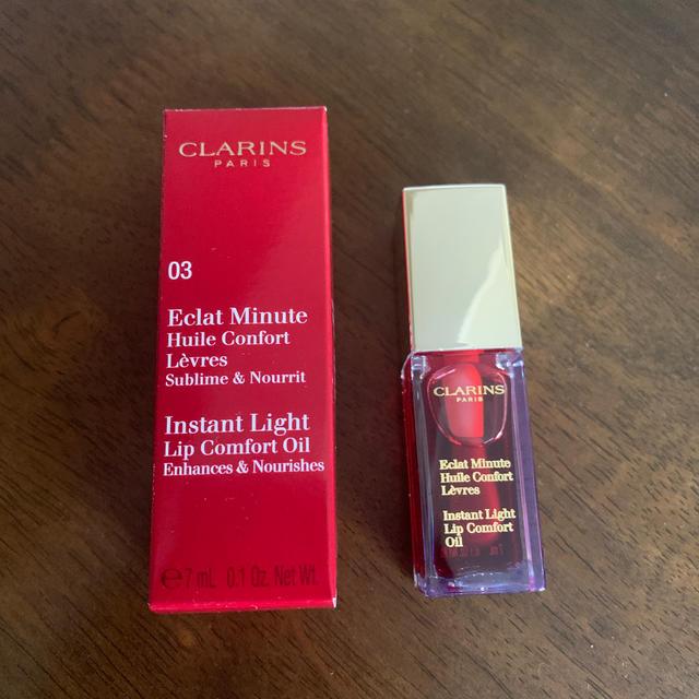 CLARINS(クラランス)のCLARINS Instant Light Lip Comfort Oil コスメ/美容のベースメイク/化粧品(リップグロス)の商品写真